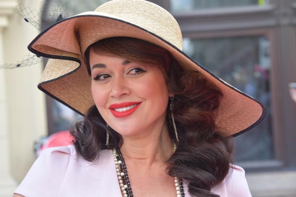 Актриса давно выплатила все штрафы, а ограничения сняли только сейчас.