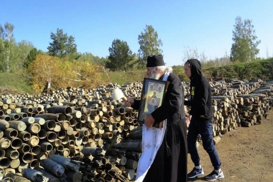 В войсковой части под Ачинском прошел молебен. Фото: сайт Ачинского благочиния