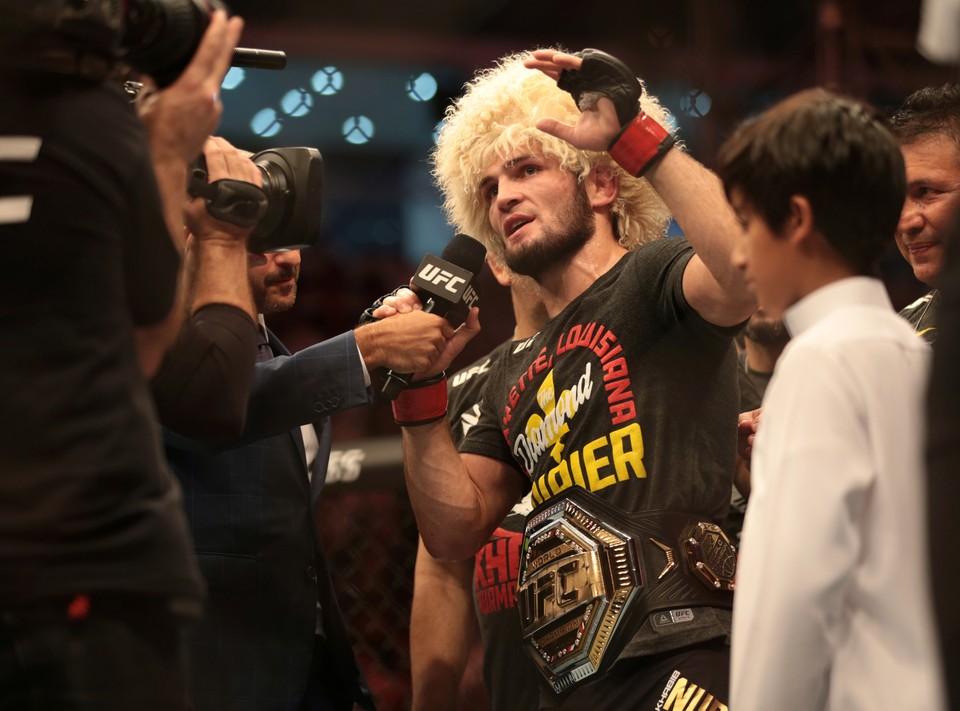 Хабиб Нурмагомедов защитил звание чемпиона.