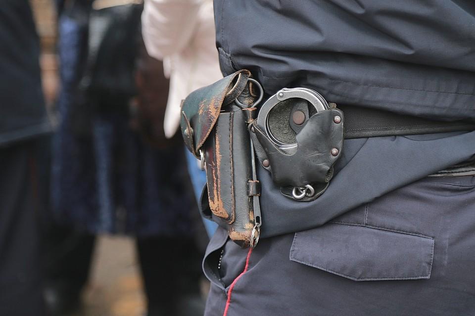 Напавшего на третьеклассницу в Красноярске насильника-педофила скрутили соседи.