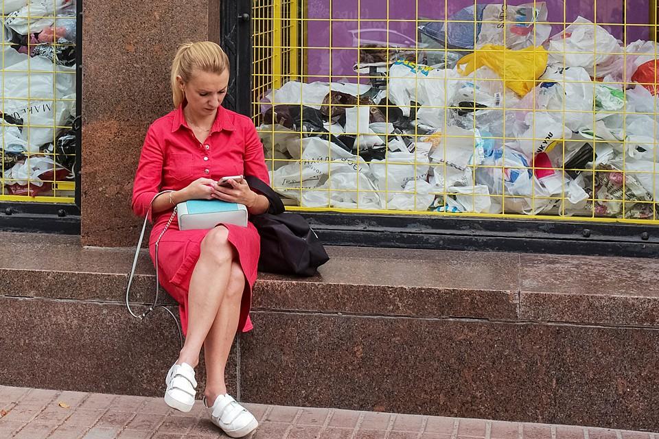 Но как бы Киеву не навязывали новые правила, он остается городом европейским, русскоязычным