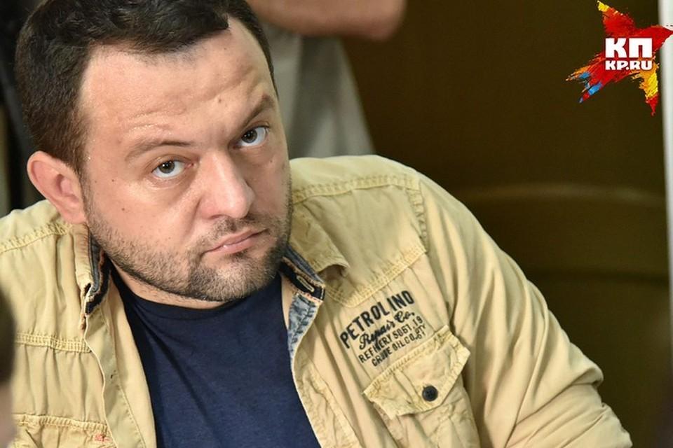 Сегодня с обысками пришли в квартиру брата Сергея Бойко.