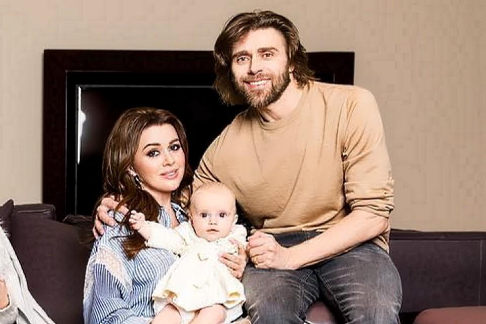 Анастасия Заворотнюк и Петр Чернышев стали родителями в октябре 2018 года. Фото: instagram.com/a_zavorotnyuk