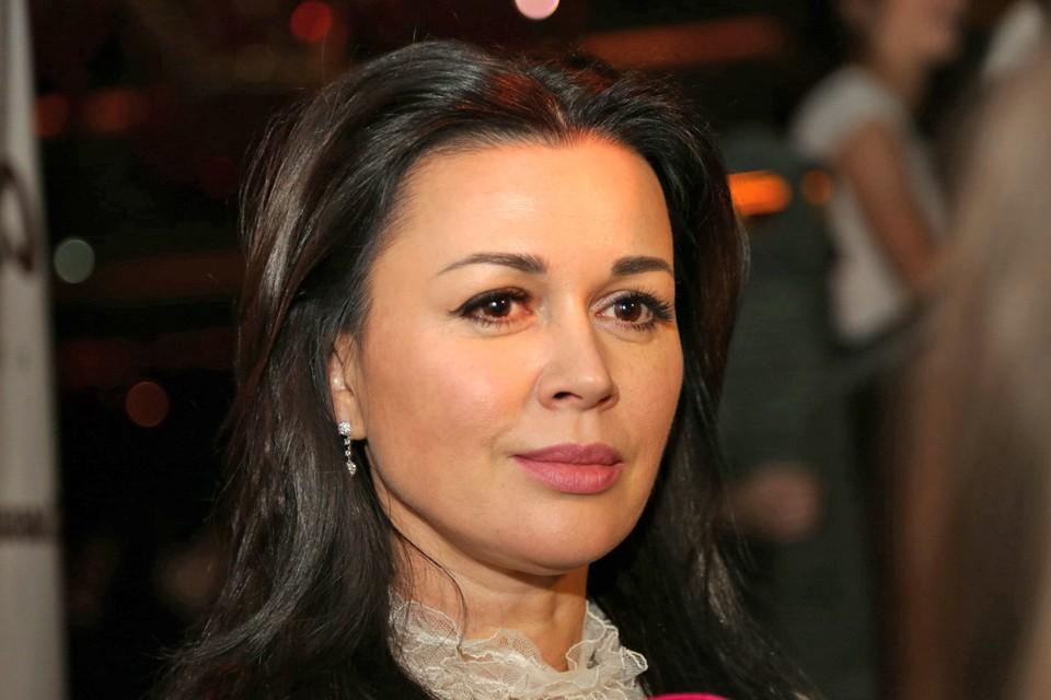 Анастасия Заворотнюк находится под охраной 24 часа в сутки.