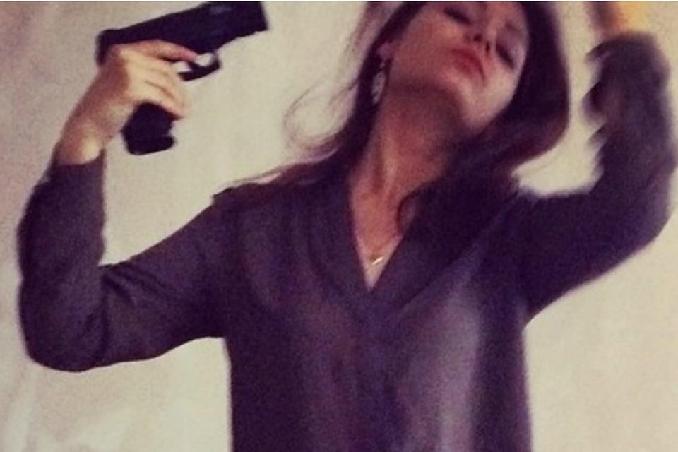 В Омске женщина выстрелила себе в голову, делая селфи