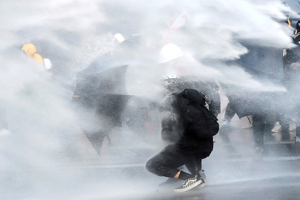 Главная задача беспорядков в Гонконге поставить Си Цзиньпиня в положение между молотом и наковальней.