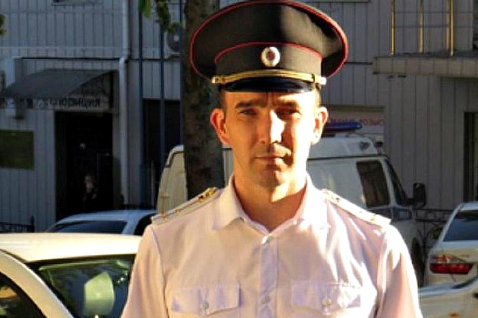 Алексей Кузьмин проходил мимо в тот момент, когда женщина упала.