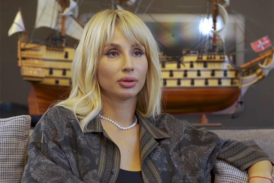 В интервью Ксении Собчак самая модная сейчас певица Светлана Лобода убеждала в том, что не делала пластических операций