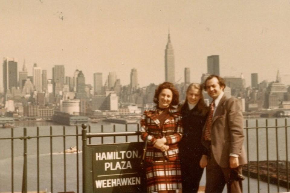 Владлен Гурковский находился в командировке в Соединенных Штатах, в Нью-Йорке, четыре с половиной года.