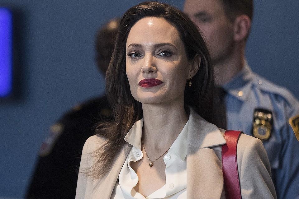 Анджелина Джоли разоткровенничалась с друзьями
