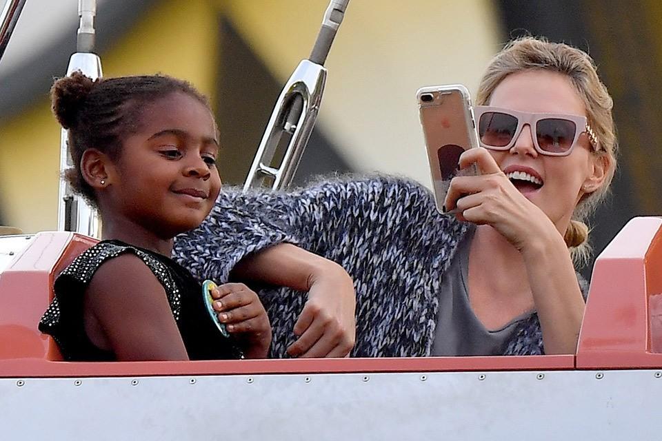 Актриса Шарлиз Терон с сыном Джексоном.