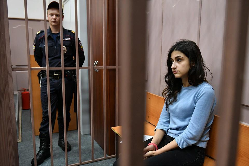 Крестина Хачатурян в Басманном суде Москвы.
