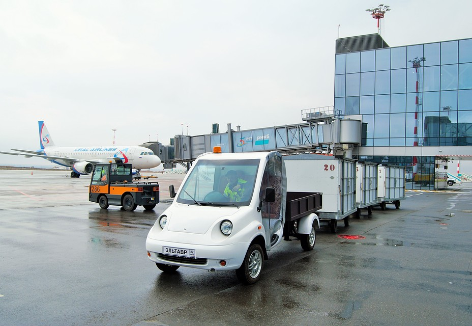 В аэропорту Симферополя протестировали грузовой электрокар