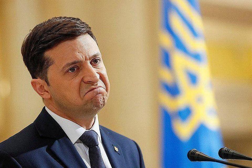 Рейтинг Зеленского на Украине за месяц упал почти на десять процентов