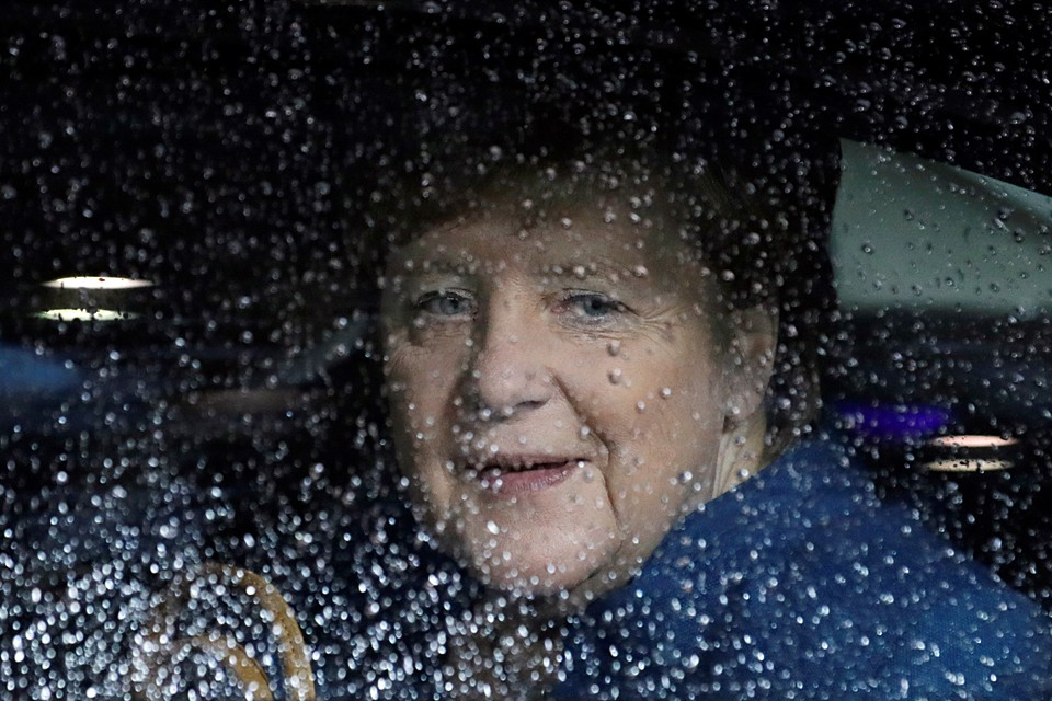 Искать причины пробуксовки договоренностей Меркель следует в столице Украины