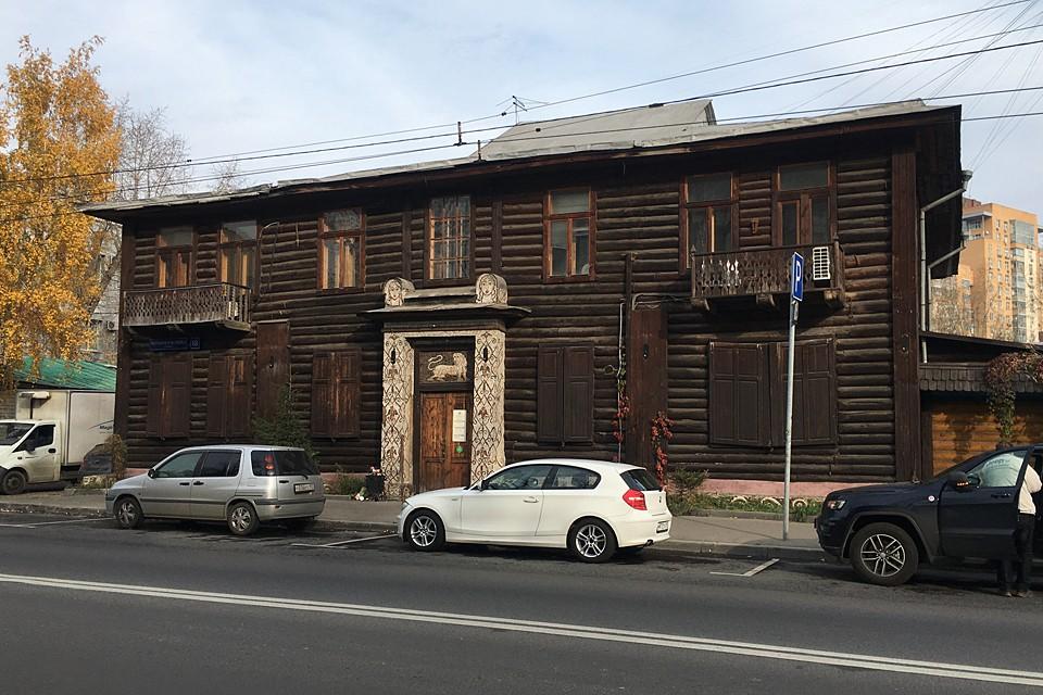 Знаменитая «Изба» на Верхней Масловке была построена в 1906 году успешным промышленником Николаем Малютиным
