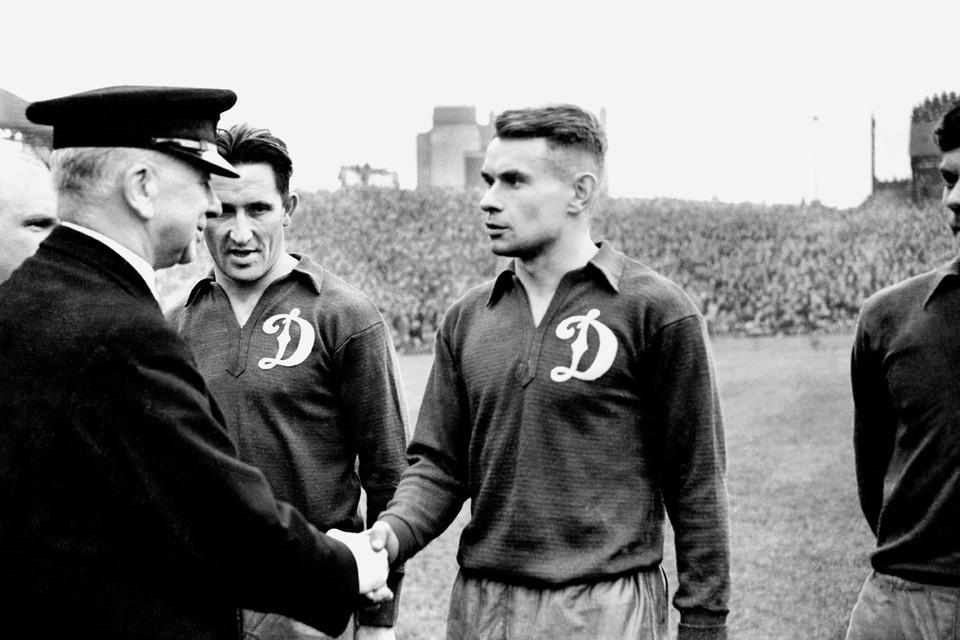 Игроки московского «Динамо» перед матчем с «Челси» в Лондоне.