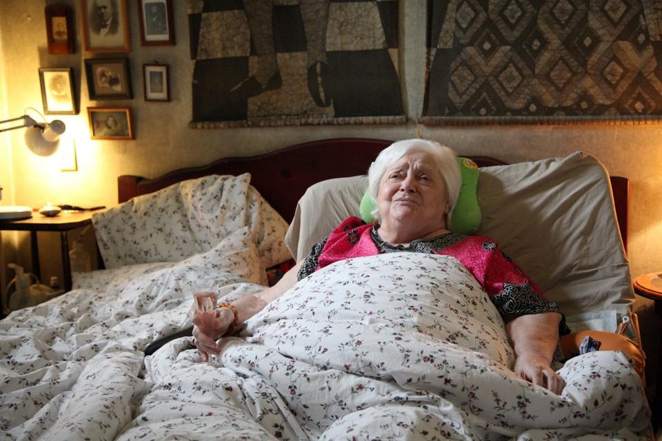 Последние годы 85-летняя Карина Филиппова не вставала с постели.