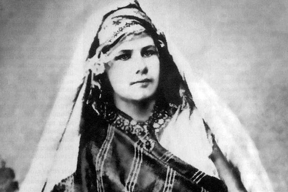 Изабелла была отважной путешественницей, верхом путешествовавшей по Магрибу