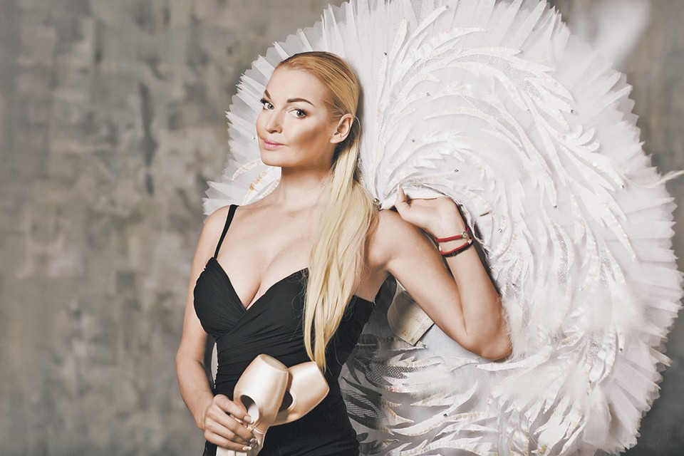 Анастасия Волочкова поначалу даже восхищалась проницательностью своего возлюбленного: он «угадывал», где она. Фото: Личный архив