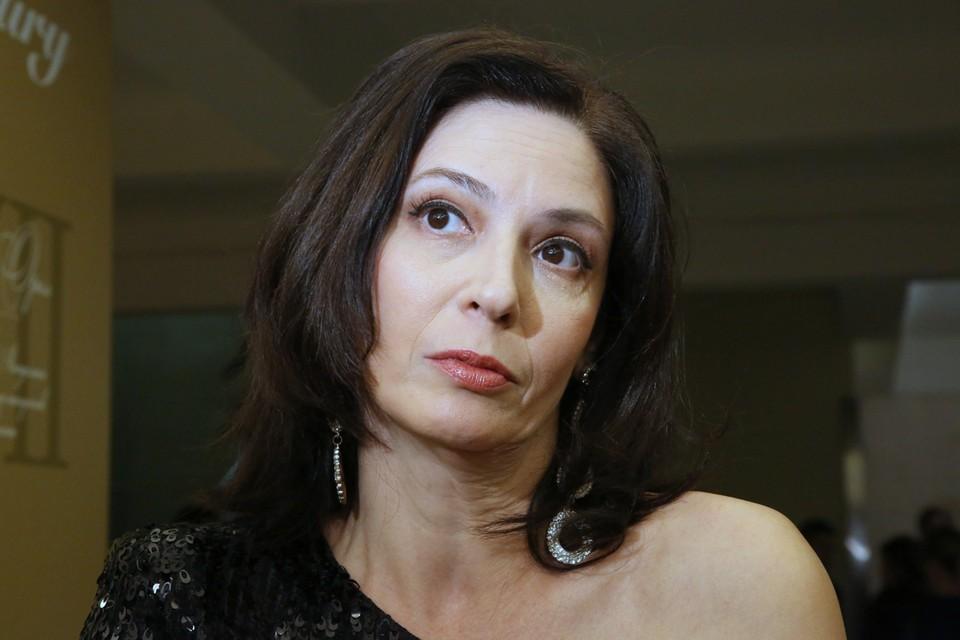 Актриса Лидия Вележева, которая зрителям известна по роли в сериалам «Воровка», «Идиот» и «Убойная сила-6», не вылетела на гастроли в Тель-Авив, устроив скандал прямо перед взлетом.