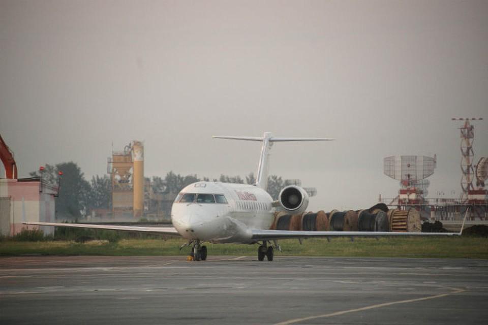 В Екатеринбурге задержали рейс в Сургут из-за сообщения о минировании