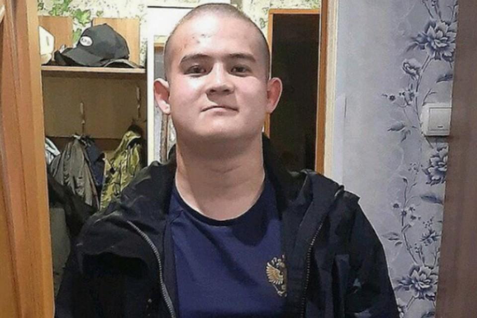 Стрелявший в сослуживцев рядовой Шамсутдинов, срочник с четырехмесячным опытом службы, имел давний личный конфликт с одним из командиров