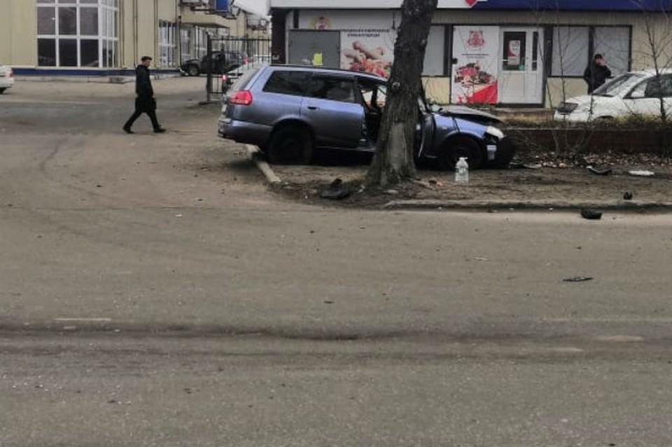 ДТП в Иркутске: столкнулись иномарка и пассажирский автобус.