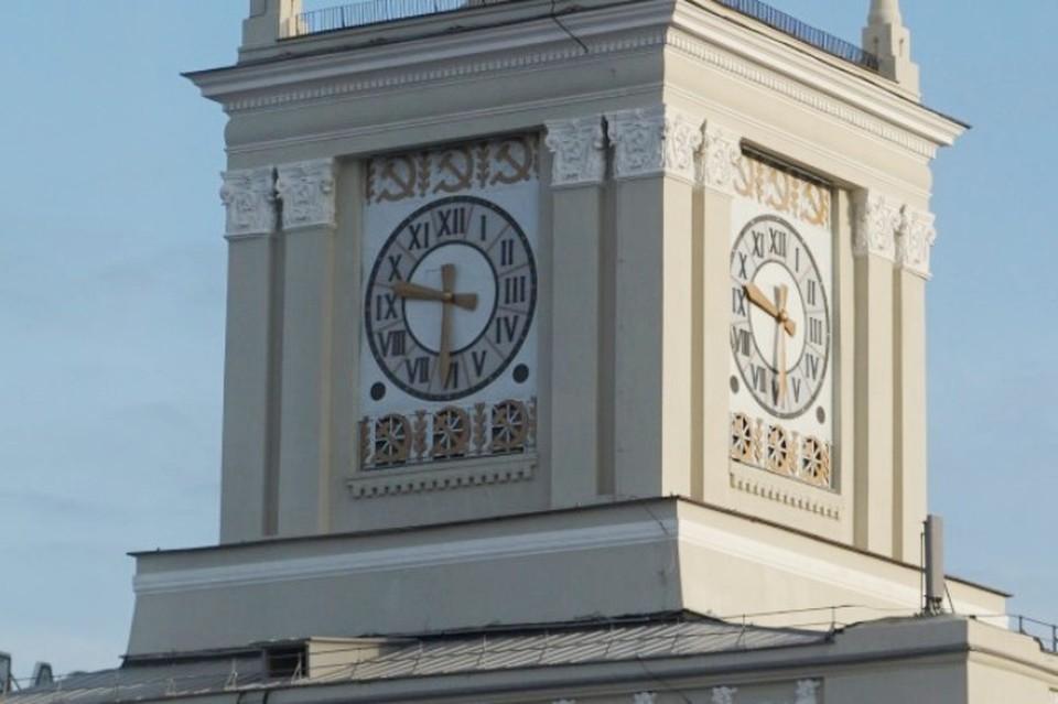 Обновленная часовая башня волгоградского вокзала. Фото: ПривЖД