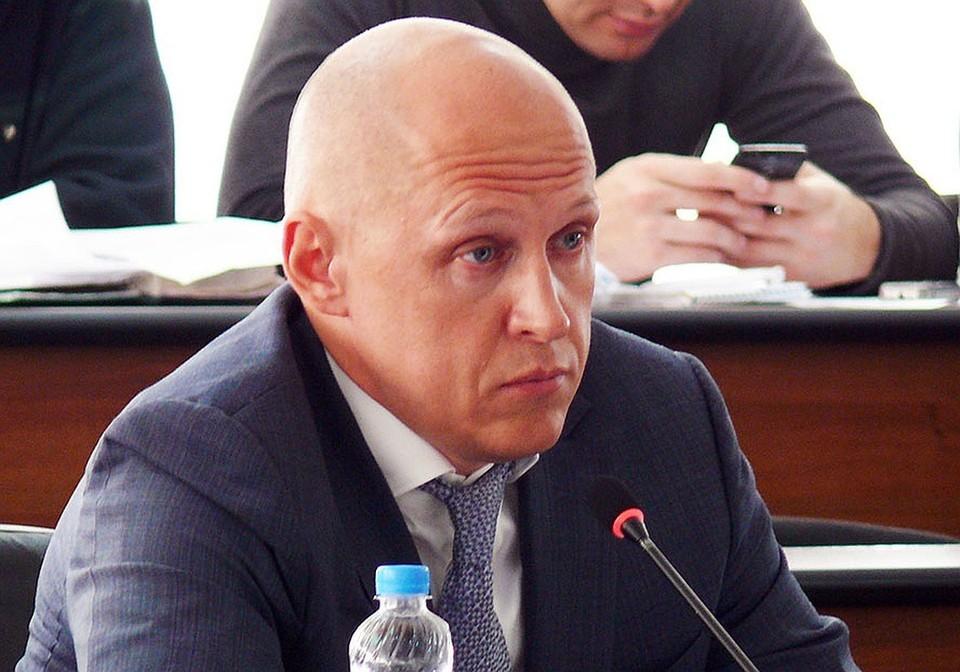 Депутат Евгений Лазарев накануне Хеллоуина переименовал свои фирмы.