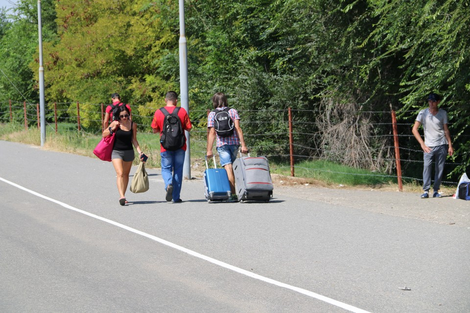 Все больше украинцев приезжают в Крым для отдыха и работы