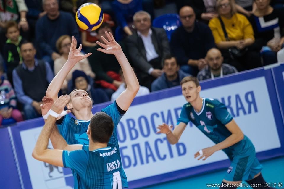 Идея продавать билеты на игры чемпионата России по волейболу принадлежит ВФВ. Фото: ВК «Локомотив» (Новосибирск).