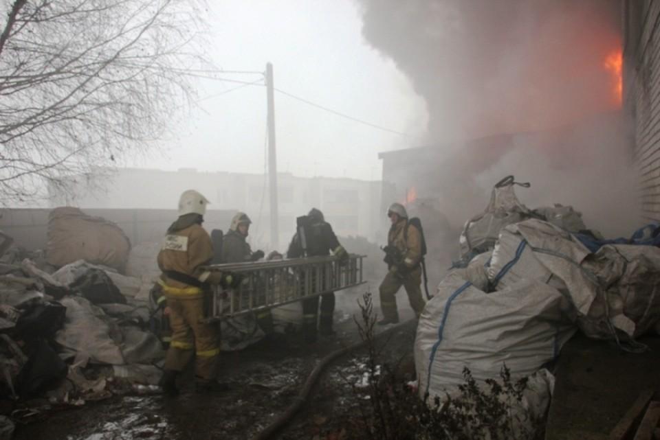 Огонь тушили четыре часа