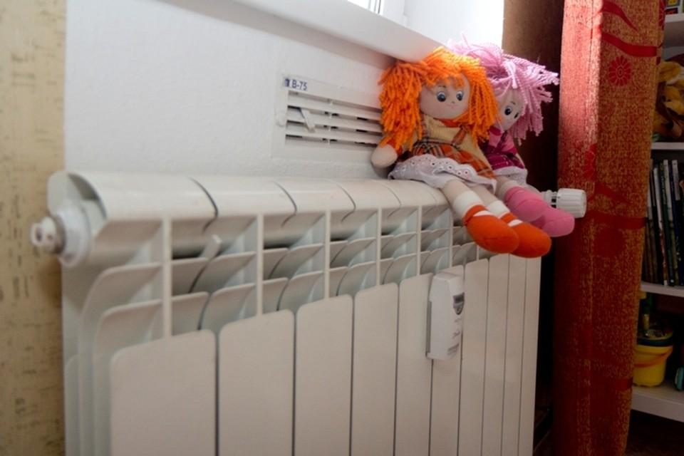 Тепло скоро будет: ремонтные работы продолжаются в Рудногорске Иркутской области