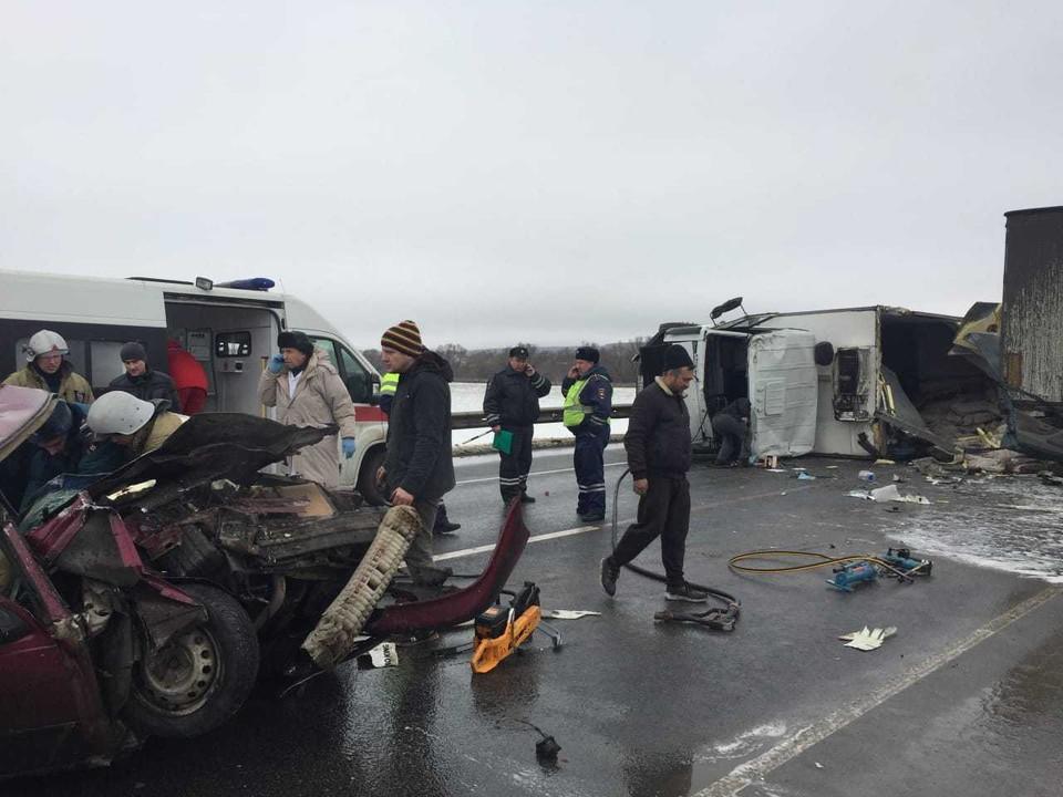 """Авария произошла днем 5 декабря на 316 километре трассы М-2 """"Крым"""""""