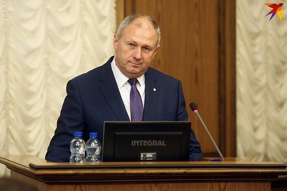 Румас вылетел в Сочи на переговоры с Медведевым.