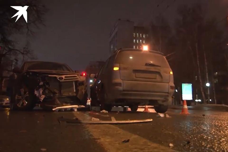 Жуткая авария произошла вечером 7 декабря недалеко от Театра юного зрителя.