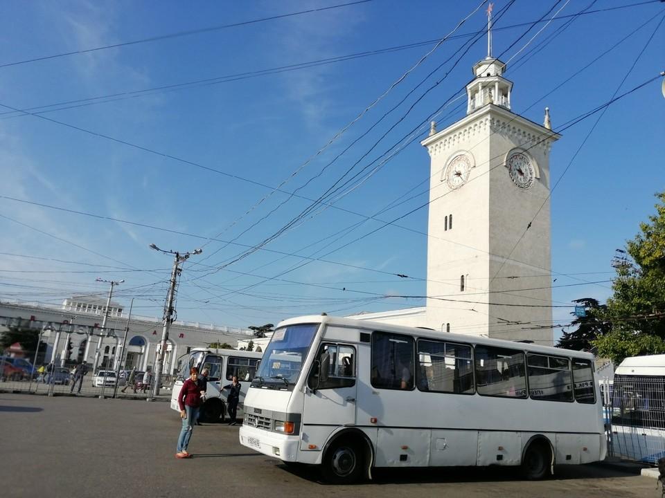 Доступ на территорию платформы посадки в автобусы теперь только по билетам
