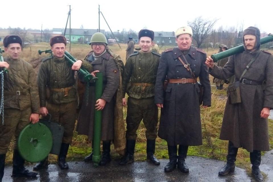 Несмотря на плохую погоду, в «бою» участвовали около шести десятков человек.