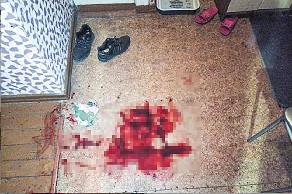 «Я вас всех люблю»: Нижегородец нашел труп сына в луже крови. ФОТО: СУ СКР по Кировской области