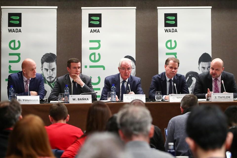 Британские и американские СМИ накануне заседания Комиссии спортсменов ВАДА устроили массированную атаку, обвинив агенство в том, что оно дало слабину.