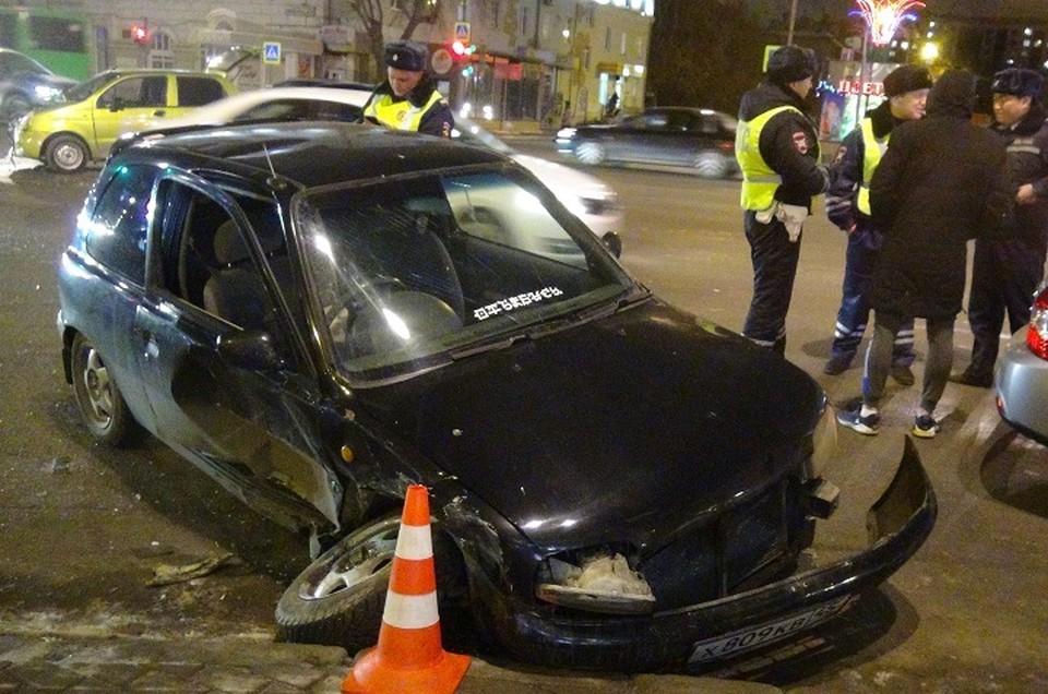 В аварии на Свердлова пострадал двухлетний малыш. Фото: отдел пропаганды ГИБДД по Екатеринбургу