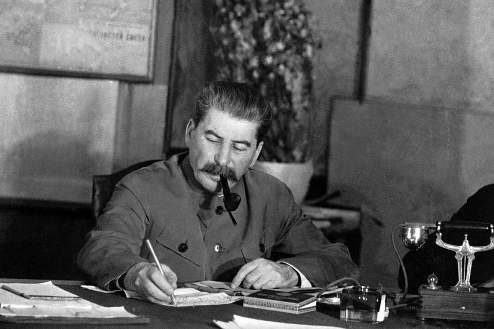 Историки ответили на самые популярные вопросы о генералиссимусе