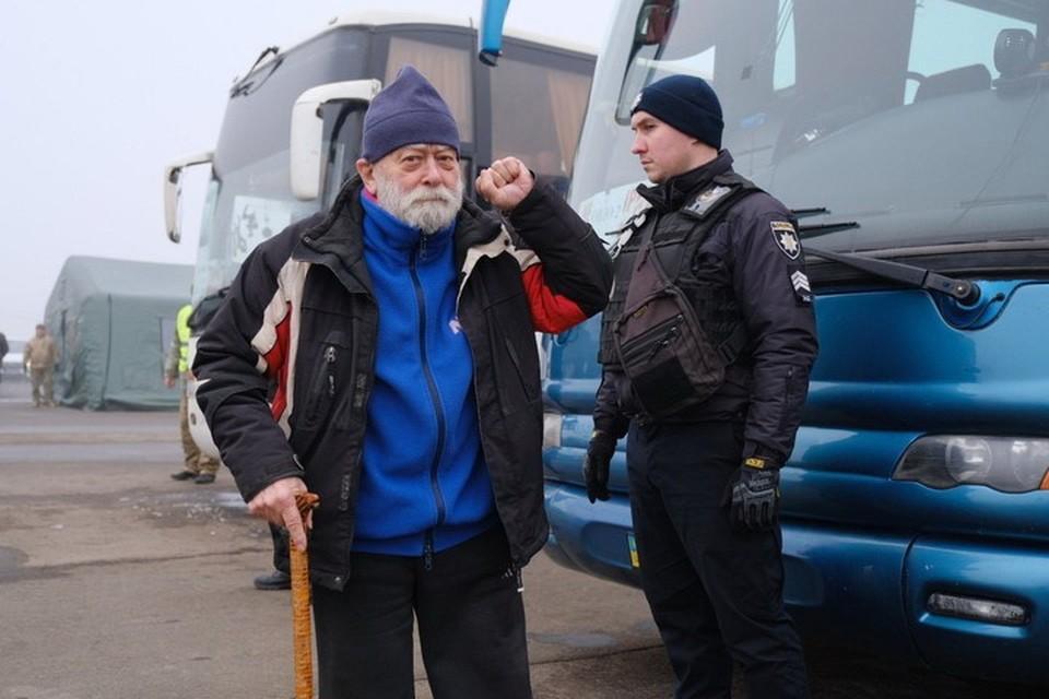 85-летний Мехти Логунов, которого Украина обвинила в госизмене и фактически пожизненно заперла в тюрьму, на обмене. Фото: Kotsnews