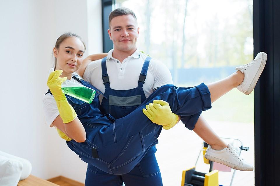 Заказать уборку однокомнатной квартиры в Москве стоит 2000 рублей