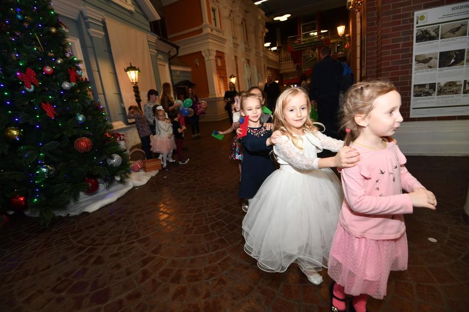 7 января всей семьей идем загадывать желания на фестиваль волшебных шаров, 8 января спешим в сказку.
