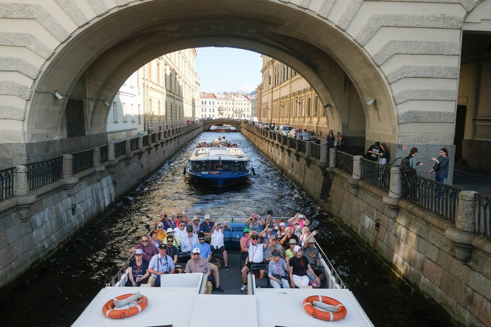 Петербург вошел в топ-3 самых популярных туристических городов России в 2019 году