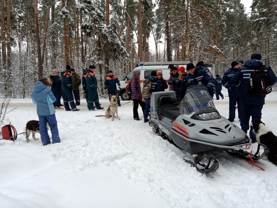 Волонтеры работают совместно с полицией и спасателями