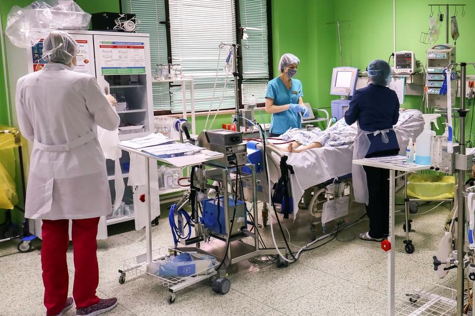 Теперь мужчине придется постоянно наблюдаться у врачей. Фото: ККБ №1.