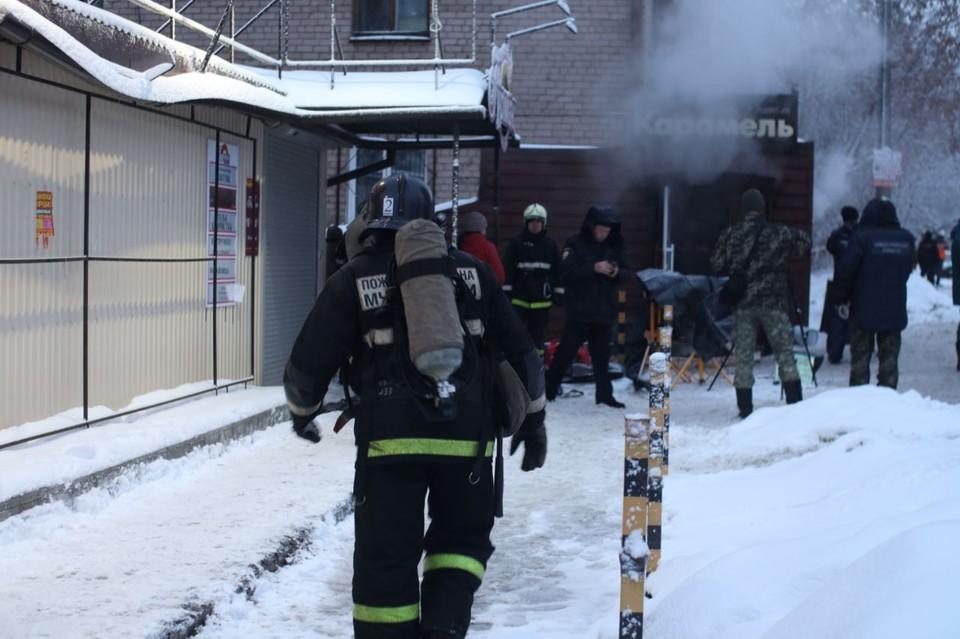 Когда спасатели смогли спуститься в мини-отель, вода доходила им почти до пояса